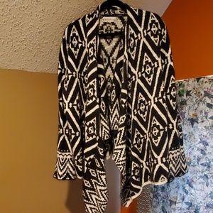 Stunning geometric sweater cardigan